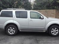 Used Nissan Pathfinder 2.5dCi SE for sale in Bellville, Western Cape